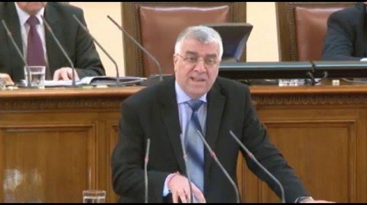 """Проф. Румен Гечев: Прозира политически стремеж да се """"яхнат"""" финансово общините и да се подчинят на финансовия министър"""
